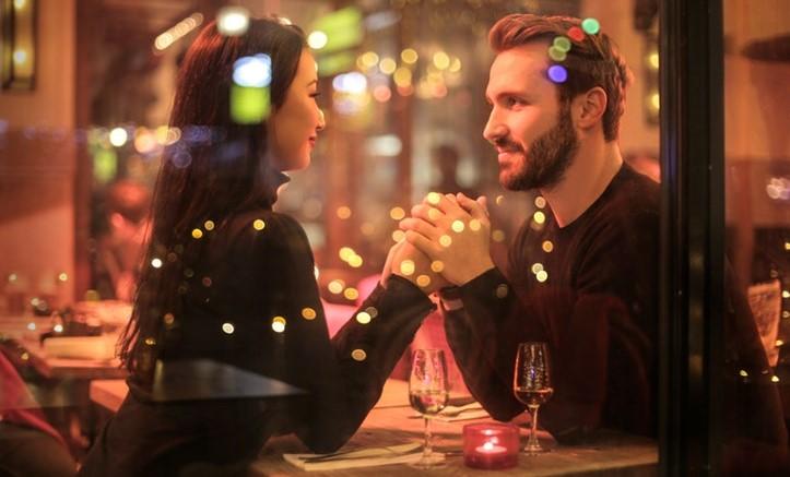 Gratis daten en kans op dinercheque