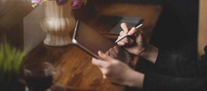Gratis Plus nieuwsbrief + aanbiedingen + win een Apple iPad